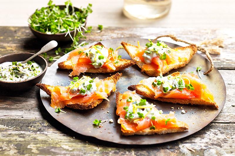 Smoked salmon and salad cress melba toasts