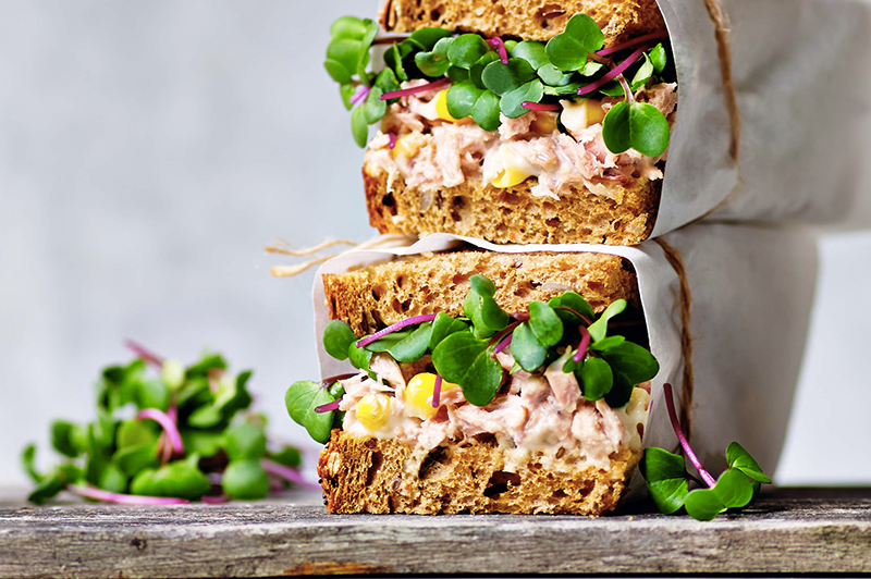 Tuna mayonnaise with Pink Radish