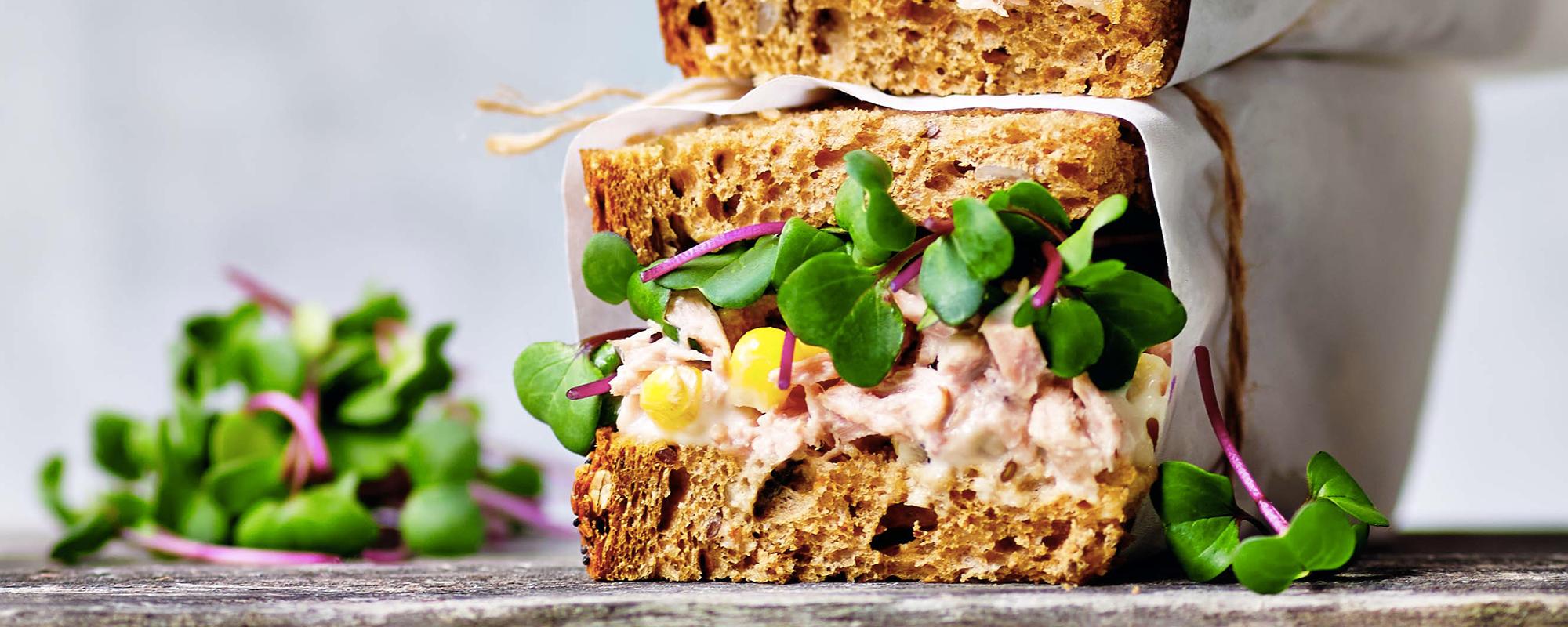 Tuna mayonnaise with Pink Radish